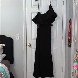 NWT Lulus Black Formal Maxi Dress